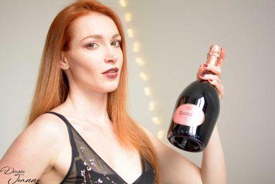 offrir du champagne à une déesse