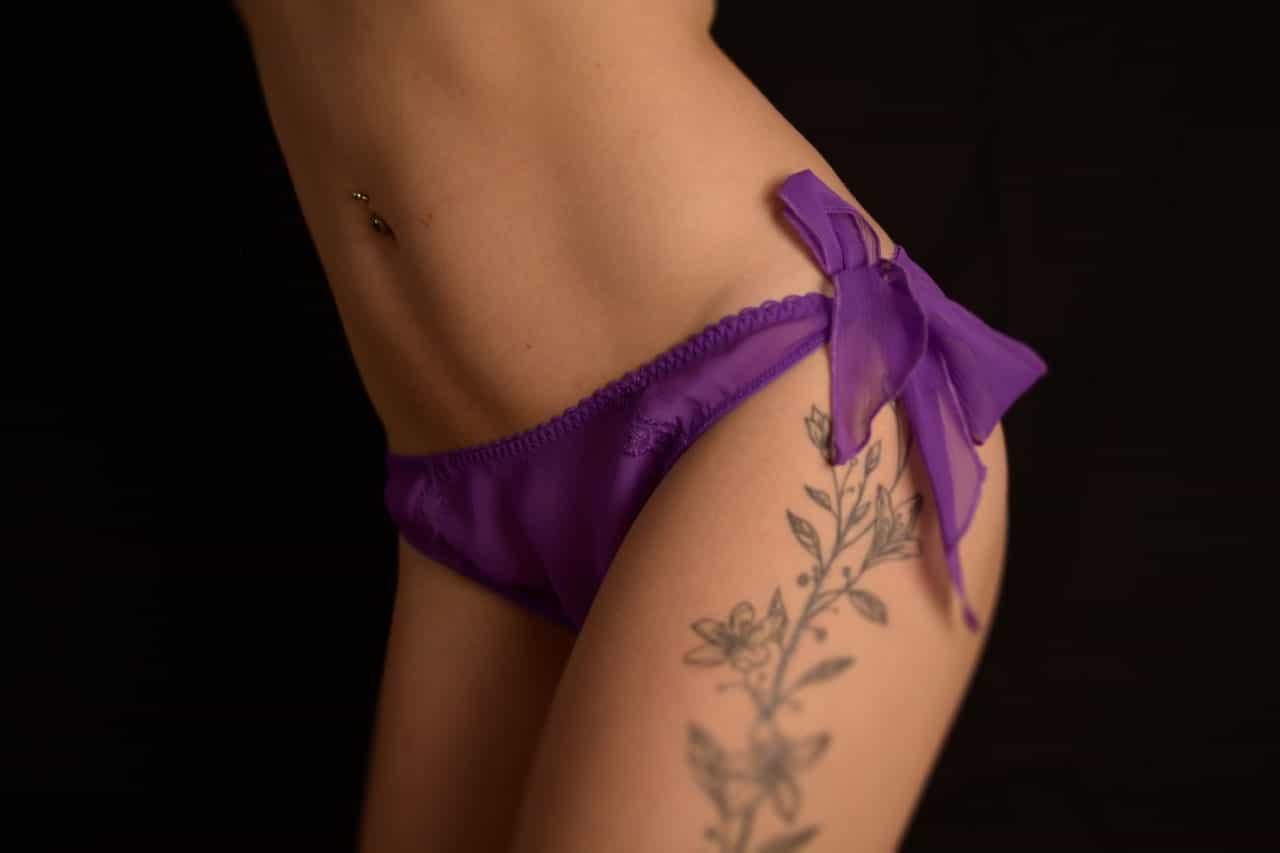 fétichisme lingerie portée Culotte sexy transparente