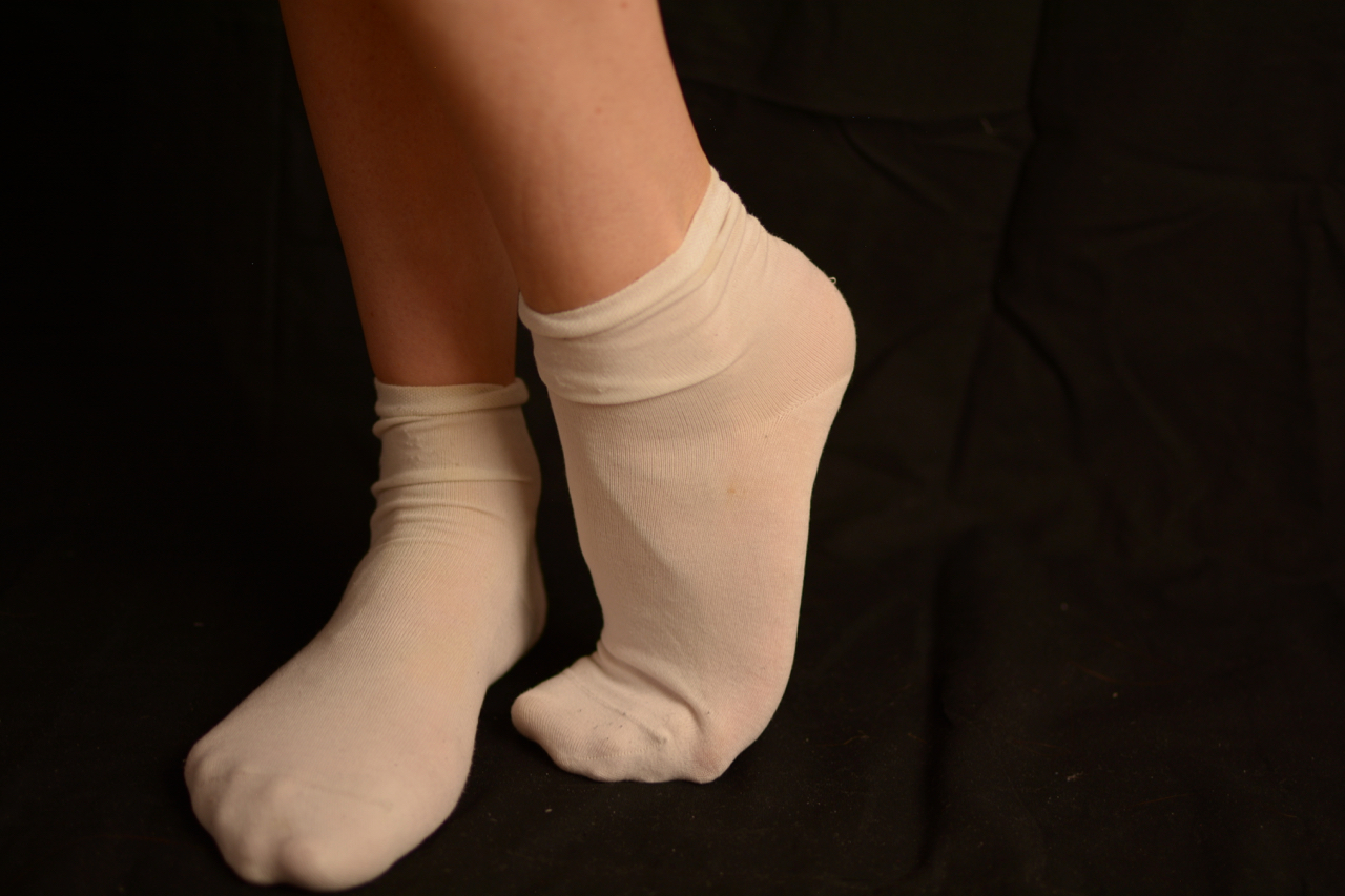 vieilles chaussettes blanches sales pour fétichiste
