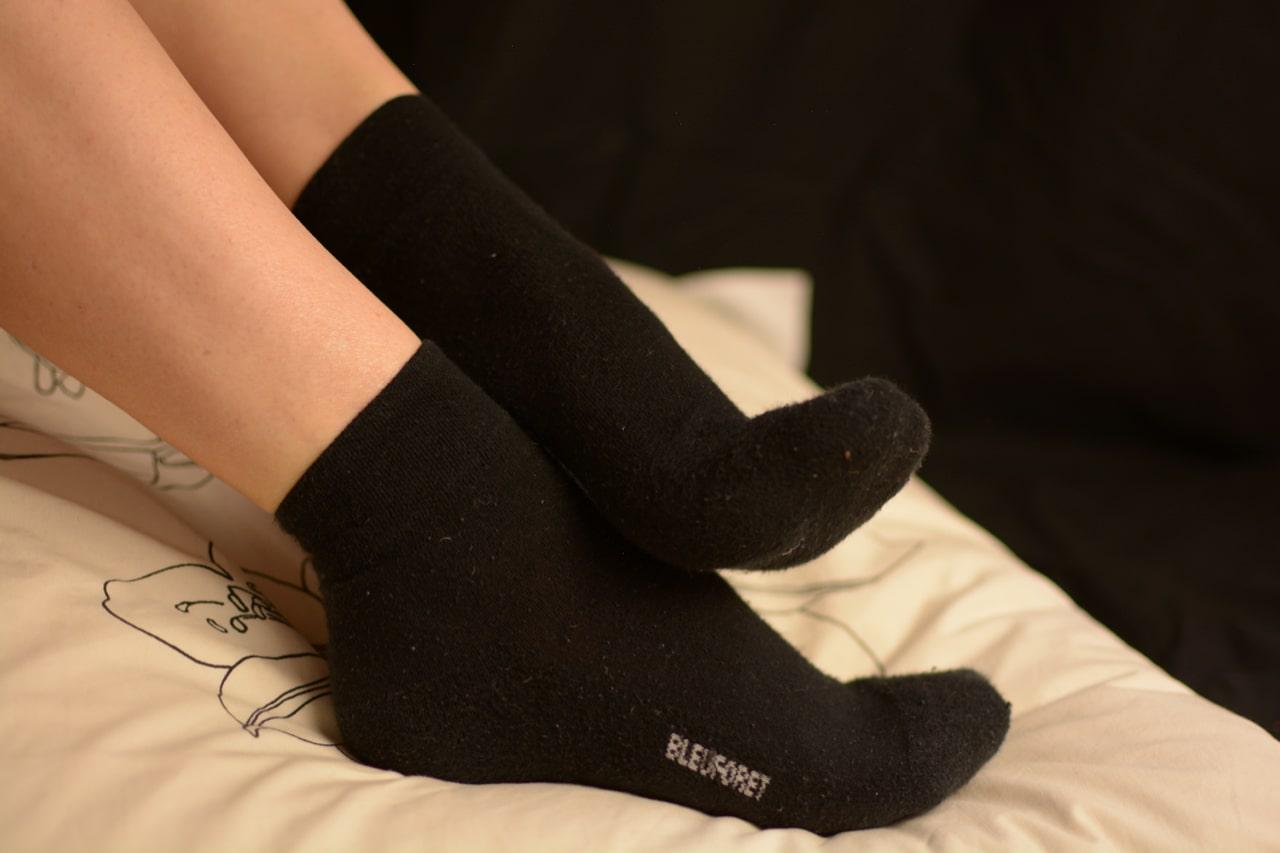 fétichiste chaussettes noires femme pour le sport