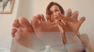 vidéo giantess foot fetish