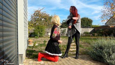 Sissy humiliée par sa Maîtresse